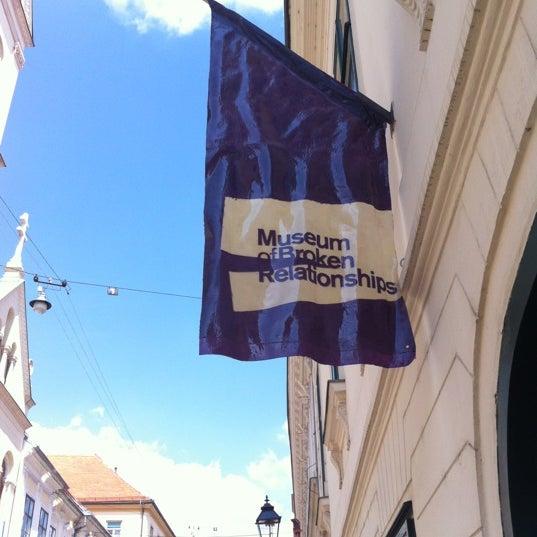 8/17/2012 tarihinde Diana L.ziyaretçi tarafından Muzej prekinutih veza | Museum of Broken Relationships'de çekilen fotoğraf