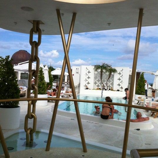 5/4/2012にAlex F.がHighbar - Pool·Bar·Skyで撮った写真