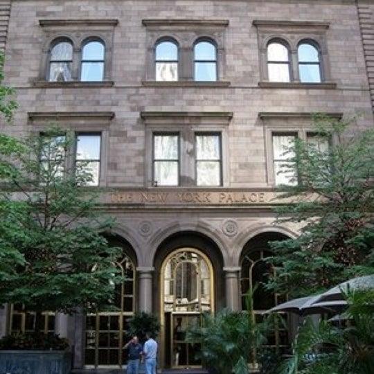 Foto scattata a Lotte New York Palace da Saylor B. il 3/15/2012
