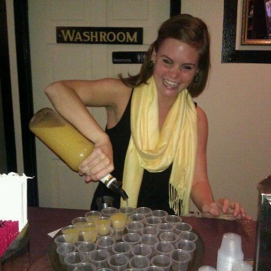 Das Foto wurde bei Opal Bar & Restaurant von funky f. am 9/24/2011 aufgenommen