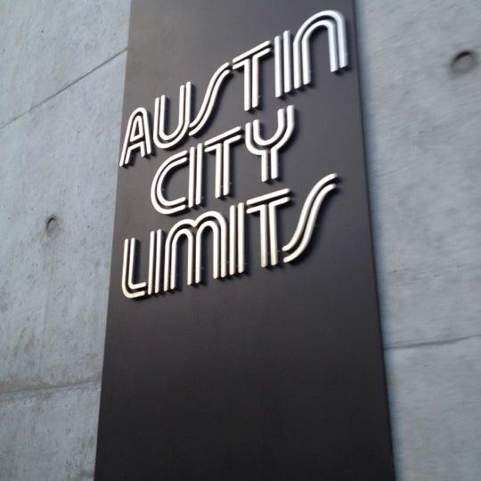 Das Foto wurde bei Austin City Limits Live von Mike W. am 8/27/2012 aufgenommen