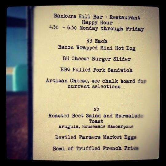 Foto tirada no(a) Bankers Hill Bar & Restaurant por Mary D. em 3/7/2012
