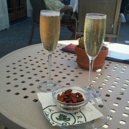 Das Foto wurde bei Gloria Ferrer Caves & Vineyards von Devo S. am 6/23/2012 aufgenommen