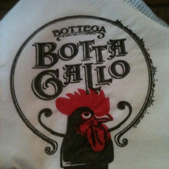 รูปภาพถ่ายที่ Bottega Bottagallo โดย Fernanda G. เมื่อ 2/17/2012