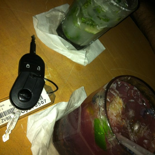 Das Foto wurde bei Buck15 Lounge von Junio am 3/11/2012 aufgenommen