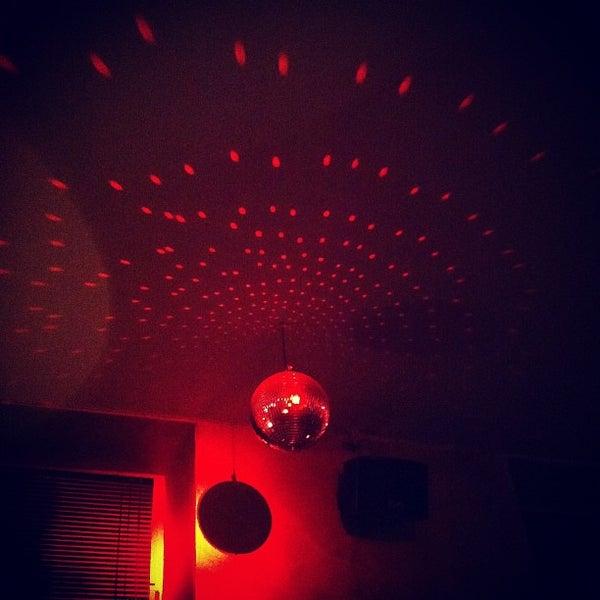 Photo prise au Couch Club par Christoph B. le3/1/2012