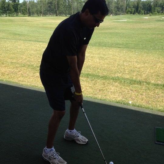 Foto tomada en 1757 Golf Club por Adithya U. el 6/23/2012