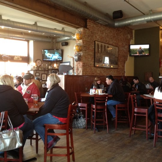 Das Foto wurde bei Eagle Street Grille von Traci W. am 3/4/2012 aufgenommen