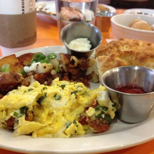 รูปภาพถ่ายที่ Jelly Cafe โดย Jennifer P. เมื่อ 6/26/2012