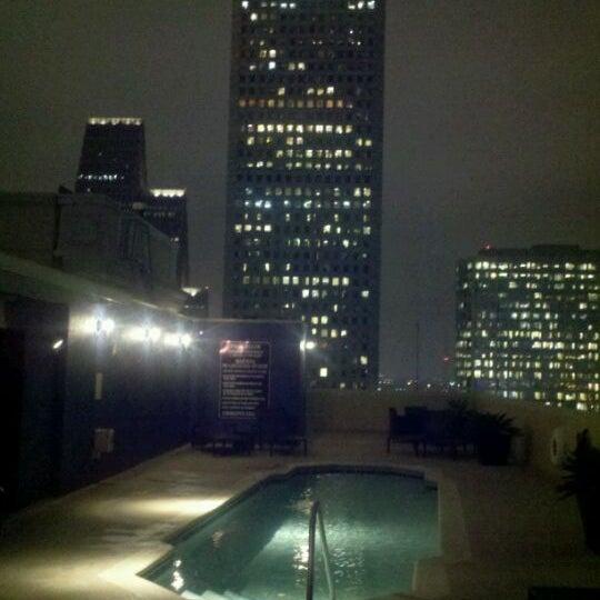 รูปภาพถ่ายที่ Magnolia Hotel โดย Bobby S. เมื่อ 3/2/2012