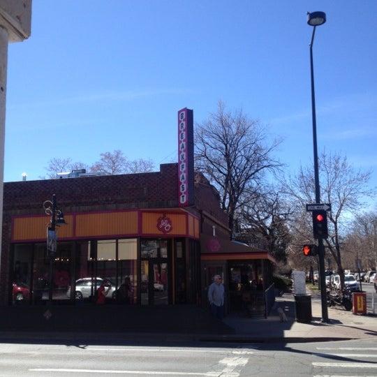 รูปภาพถ่ายที่ Jelly Cafe โดย Tim J. เมื่อ 3/23/2012