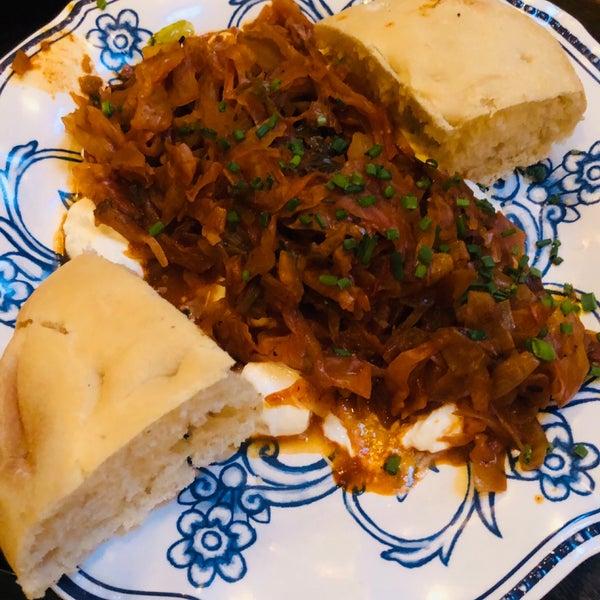 Снимок сделан в Ambar Balkan Cuisine пользователем Leemor Y. 10/6/2019