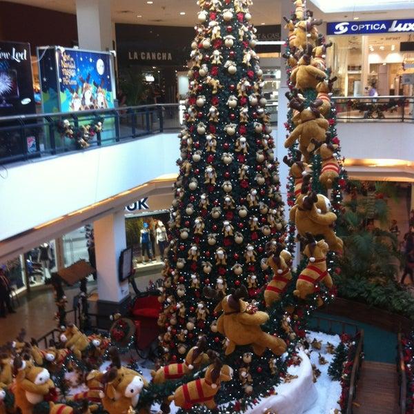 Das Foto wurde bei Portones Shopping von María Eugenia S. am 12/28/2012 aufgenommen
