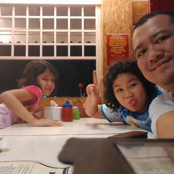 MilkMe Cafe - Jakarta Timur'da Bar'da fotoğraflar