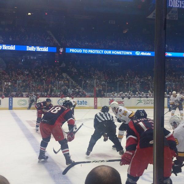 รูปภาพถ่ายที่ Allstate Arena โดย Jack M. เมื่อ 12/8/2012