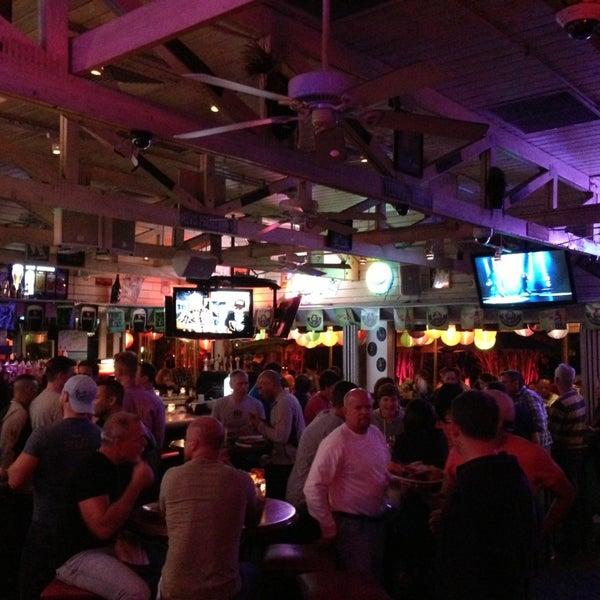 Photo prise au Rosie's Bar & Grill par Chad C. le3/16/2013