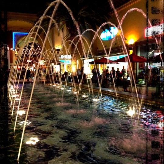 Снимок сделан в Irvine Spectrum Center пользователем Nessie 9/24/2012