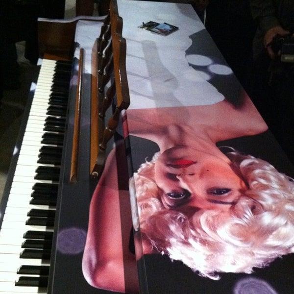 11/29/2012にEleanor(wokstar) H.がMiami Ironsideで撮った写真