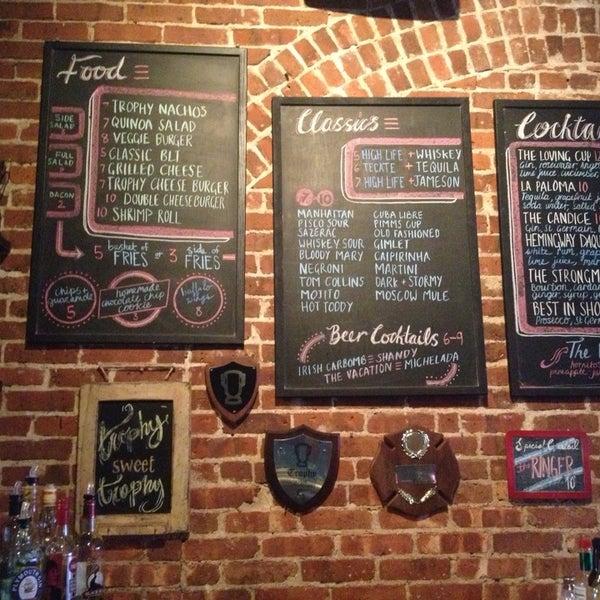 7/14/2013にAnita H.がTrophy Barで撮った写真