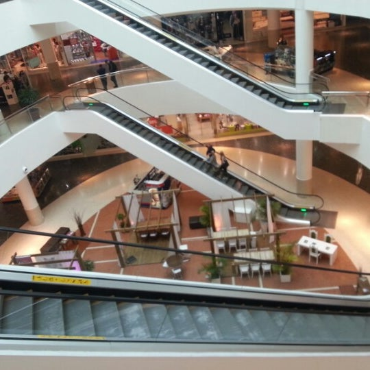 Foto tirada no(a) Shopping Palladium por Raul A. em 10/25/2012