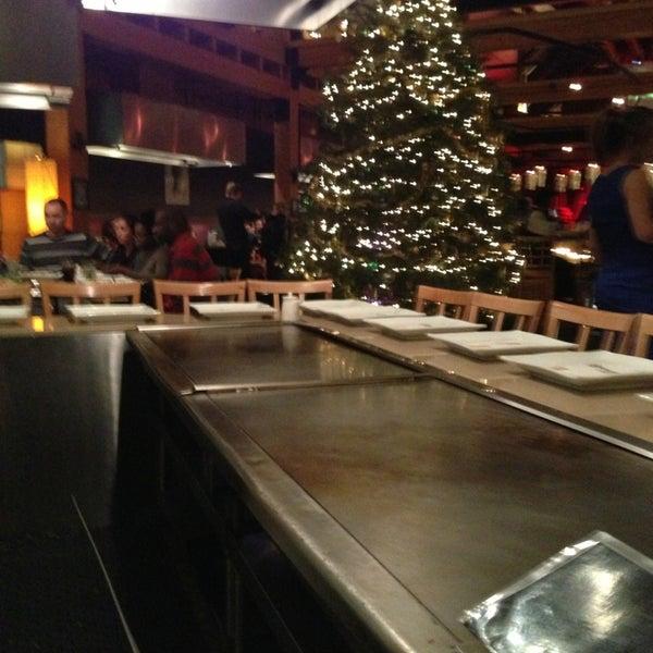 12/29/2012 tarihinde Miguel G.ziyaretçi tarafından Desaki Japanese Restaurant'de çekilen fotoğraf