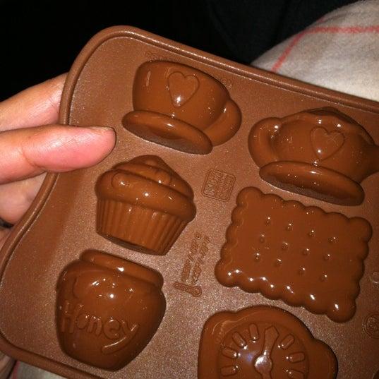Das Foto wurde bei Bowery Kitchen Supplies von Tina C. am 12/3/2012 aufgenommen