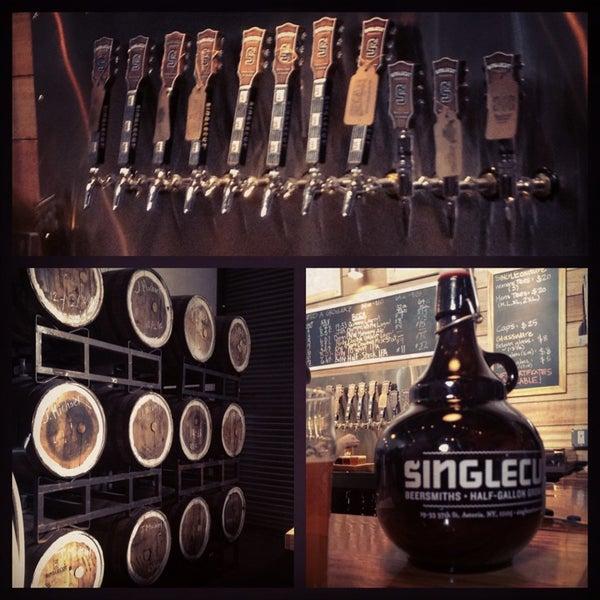 Foto tirada no(a) SingleCut Beersmiths por nicoletteelvie em 3/29/2013