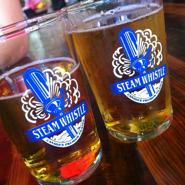 7/13/2013 tarihinde Melissa B.ziyaretçi tarafından Steam Whistle Brewing'de çekilen fotoğraf