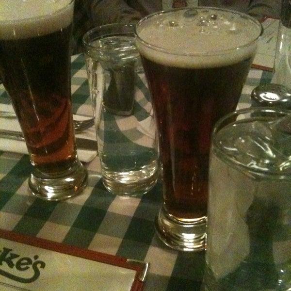 Das Foto wurde bei Luke's Bar & Grill von Dio D. am 12/26/2012 aufgenommen