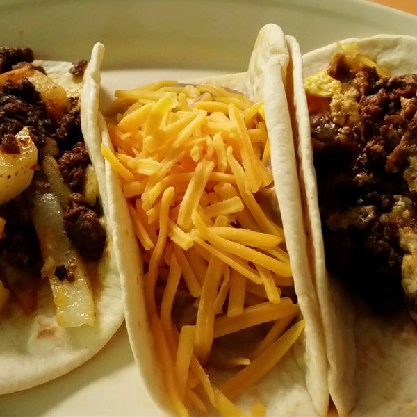 Снимок сделан в La Mexicana Bakery пользователем Benny P. 10/8/2016