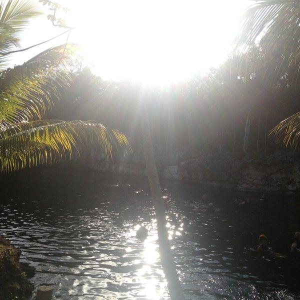 Foto tomada en Cenotes LabnaHa por Daniela R. el 2/6/2013