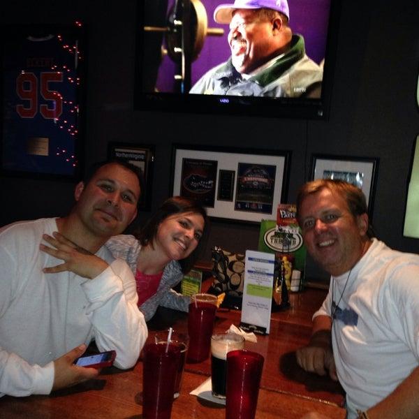 Das Foto wurde bei Ashburn Pub von Patrick L. am 10/29/2013 aufgenommen