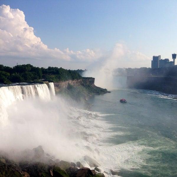 7/14/2014 tarihinde Zina Я.ziyaretçi tarafından Niagara Falls USA Official Visitor Center'de çekilen fotoğraf