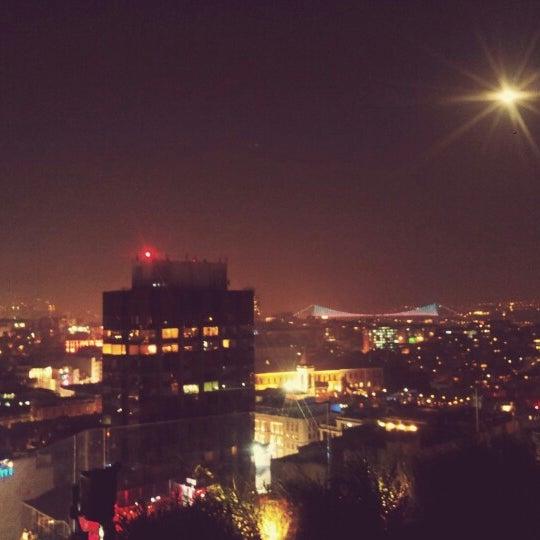 Foto diambil di Mikla oleh Tufan D. pada 10/2/2012