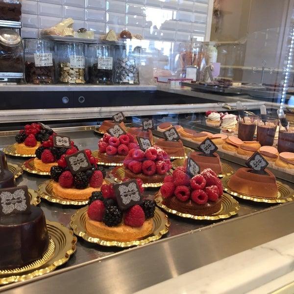 Das Foto wurde bei Antonella Dolci e Caffé von Benny W. am 10/29/2014 aufgenommen