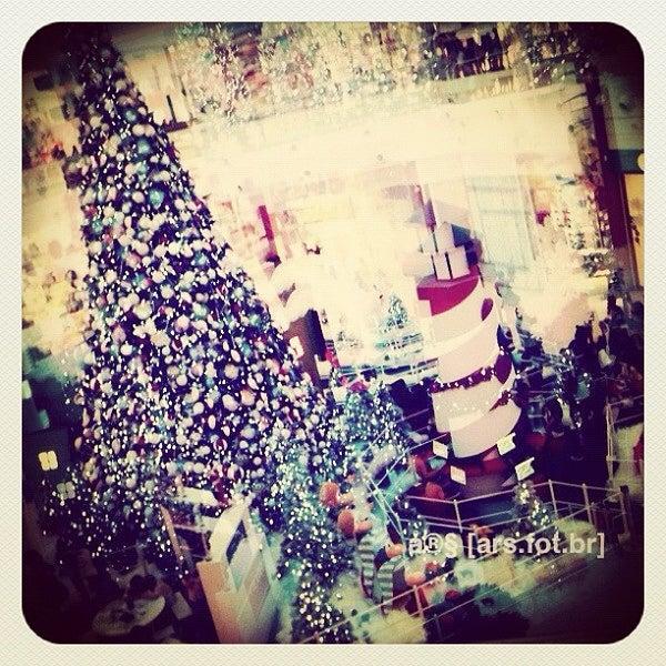 Снимок сделан в Floripa Shopping пользователем 宧 a. 11/16/2012