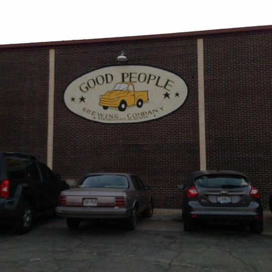 Foto diambil di Good People Brewing Company oleh Leil K. pada 11/16/2012