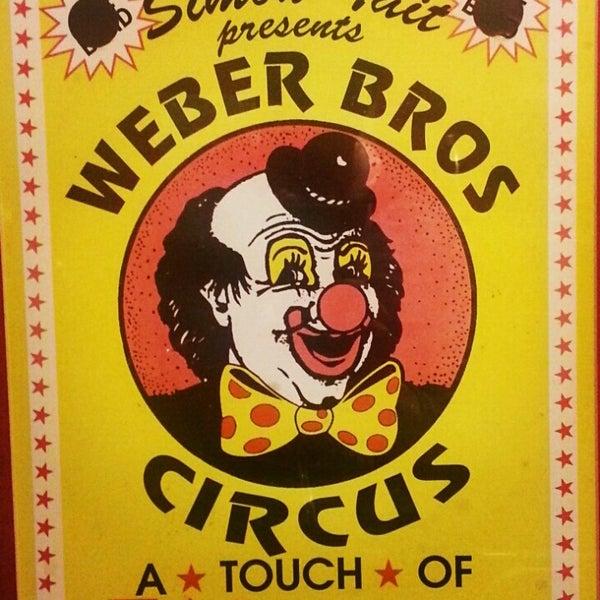 Foto tirada no(a) Circus Circus Cafe por Jonas B. em 10/13/2012