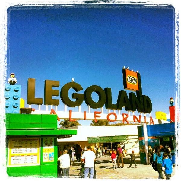 Foto tirada no(a) Legoland California por Jason W. em 1/4/2013