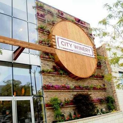 2/21/2013 tarihinde Mike D.ziyaretçi tarafından City Winery'de çekilen fotoğraf