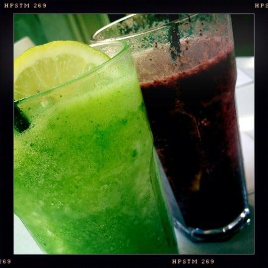Снимок сделан в Mark's Deli & Coffee House пользователем Clarissa P. 11/2/2012