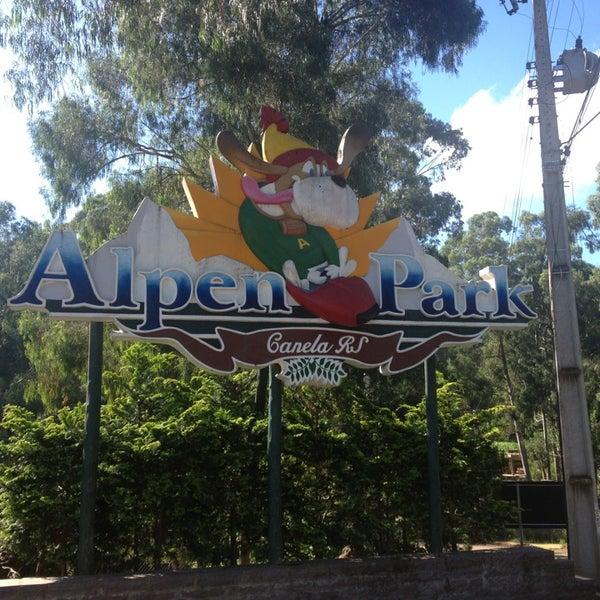 รูปภาพถ่ายที่ Alpen Park โดย Marcela B. เมื่อ 1/10/2013
