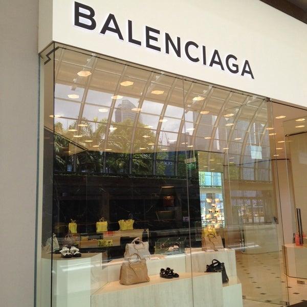 Shoppes at Marina Bay Sands 01