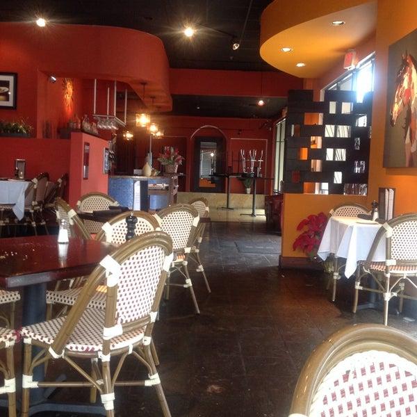 รูปภาพถ่ายที่ Paxia Alta Cocina Mexicana โดย VL M. เมื่อ 1/9/2014