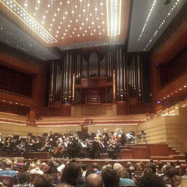 Foto tirada no(a) Morton H. Meyerson Symphony Center por Brian D. em 5/25/2013