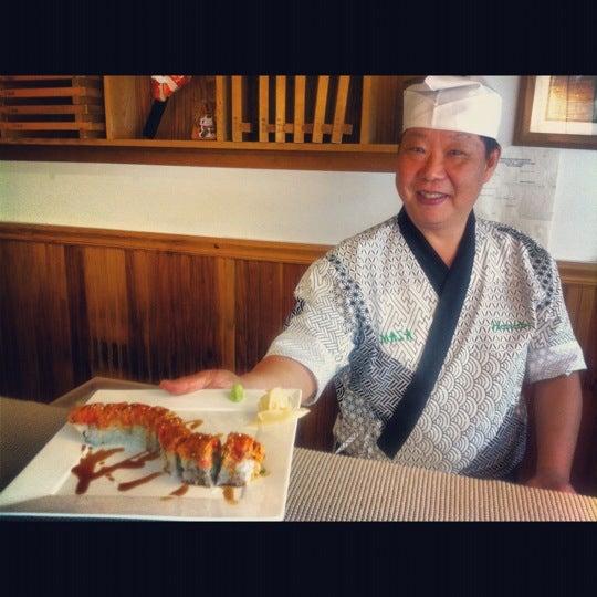 Снимок сделан в Hanabi Sushi Bar пользователем Luis A. 10/11/2012