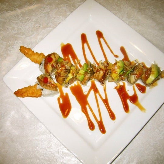 Снимок сделан в Hanabi Sushi Bar пользователем Luis A. 10/10/2012
