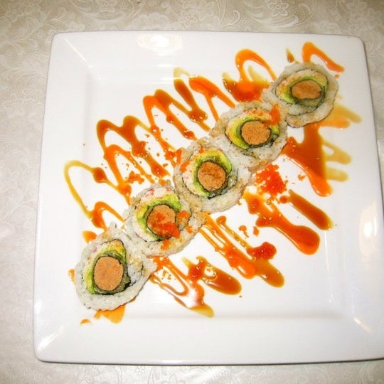 Foto diambil di Hanabi Sushi Bar oleh Luis A. pada 10/8/2012