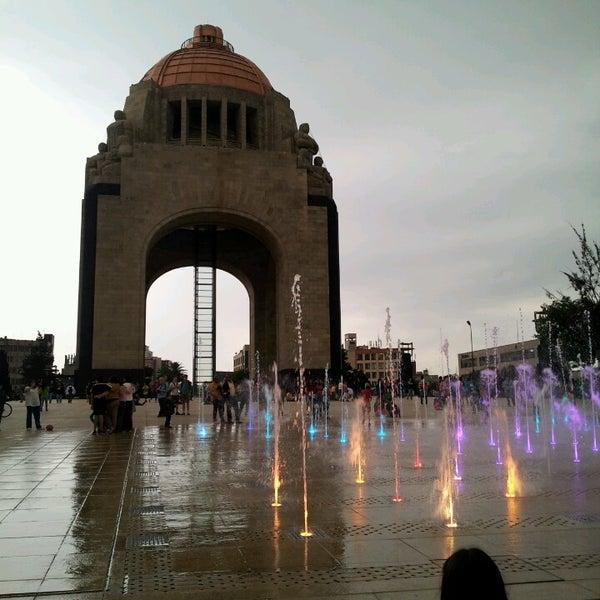 Foto tomada en Monumento a la Revolución Mexicana por Rodrigo M. el 7/5/2013