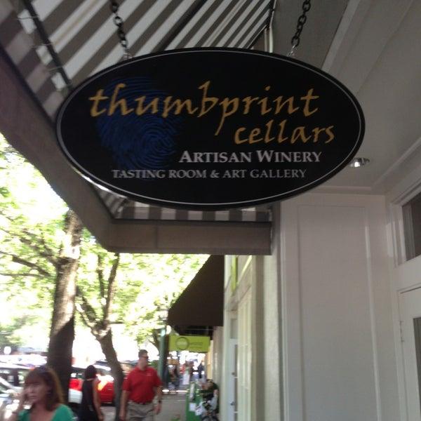 9/6/2013 tarihinde Roz H.ziyaretçi tarafından Thumbprint Cellars Tasting Room & Art Gallery'de çekilen fotoğraf